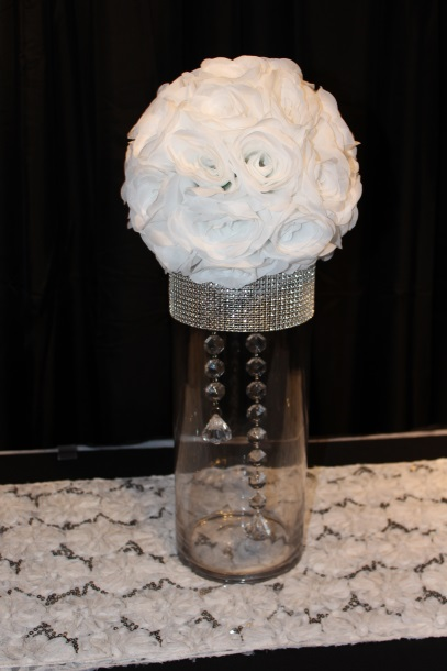 15 inch cylinder with white silk roseball