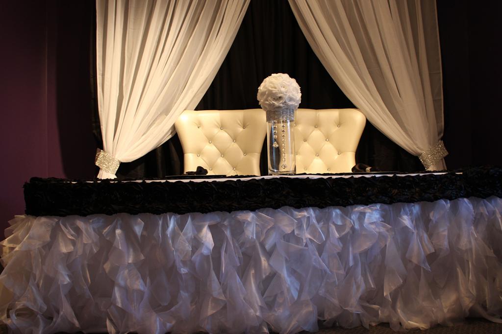 Full_set_up_white_drapes_tutu_skirt